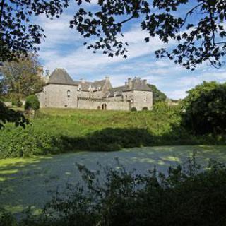 Parc et jardins du Château de Kergroadez
