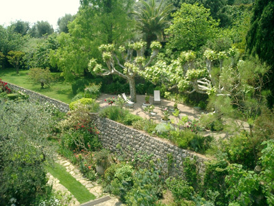 JARDIN DE LA VILLA FORT FRANCE